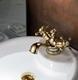 Смеситель для раковины Charlestone Ceramic золото 80511142G